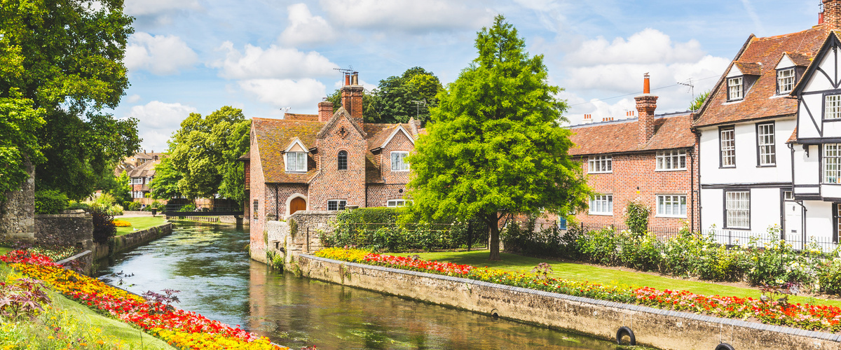 Slideshow english houses by river