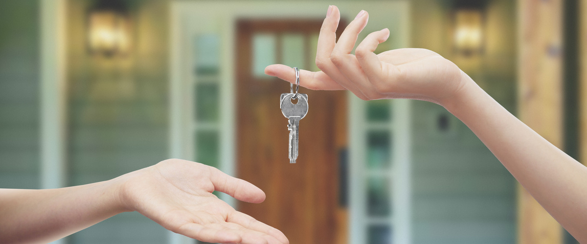 Slideshow house key exchange