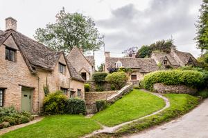 Team english countryside houses