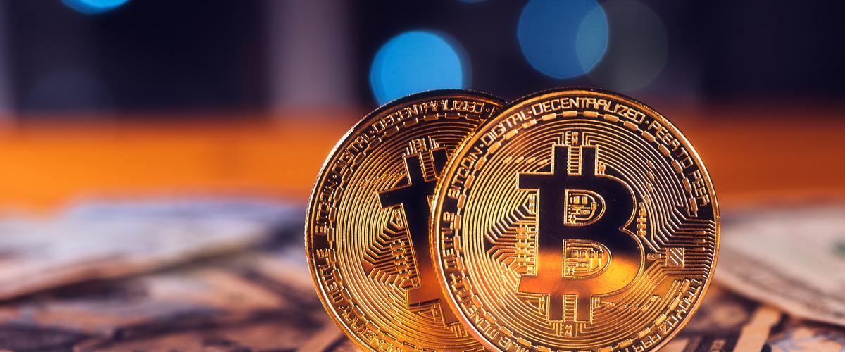 Slideshow bitcoins and dollars pk54z76